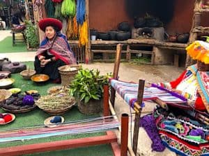 Weaving demonstration Chinchero Peru